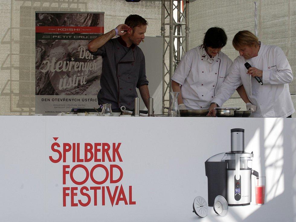 spilberk-food-festival-tramvajova-stola-02-ara_galerie-980